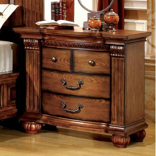 Dodge 3 Drawer Bachelor's Chest by Astoria Grand