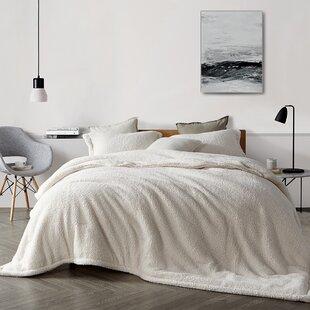 Twyla Comforter Set