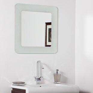 Decor Wonderland Bella Modern Wall Mirror
