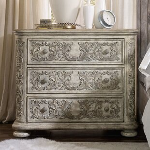 Online Reviews True Vintage 3 Drawer Bachelor's Chest by Hooker Furniture