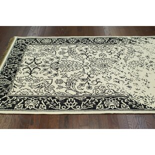Ayers White Washed Damask Fringe Rug nuLOOM