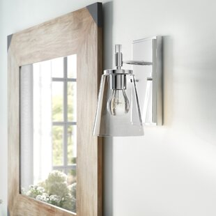 Houpt 1-Light Armed Sconce by Latitude Run
