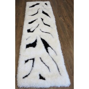 Hand-Tufted Black/White Area Rug By Rug Factory Plus