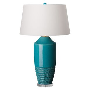 Lobato Vase 33 Table Lamp