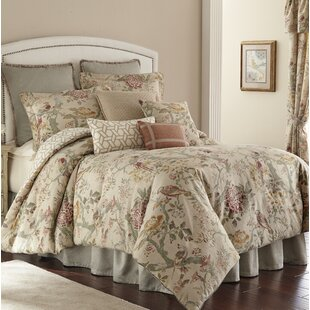 Biccari 4 Piece Reversible Comforter Set by Rose Tree
