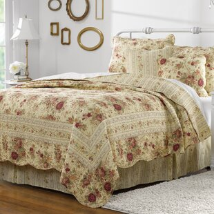 Abbigail Reversible Quilt Set