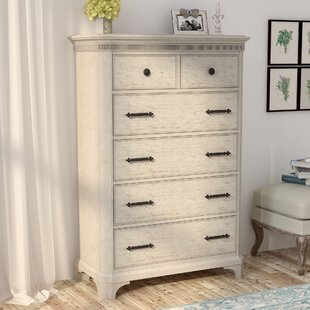 Lark Manor Turenne 5 Drawer Chest