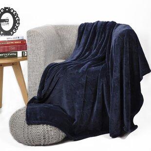Jovan Stars Printed Flannel Fleece Throw