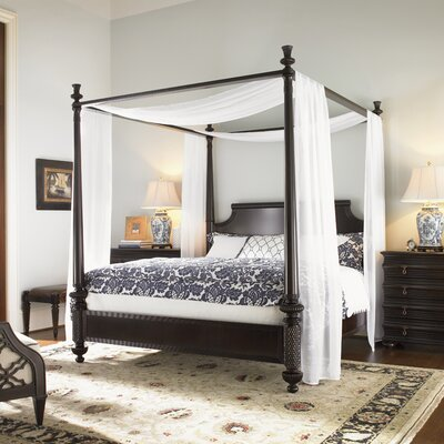 Royal Kahala Canopy Bed Size: California King
