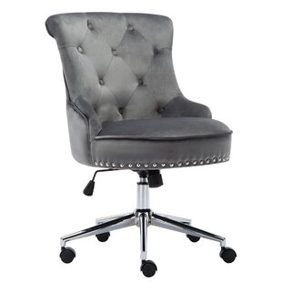 Review Escolta Desk Chair