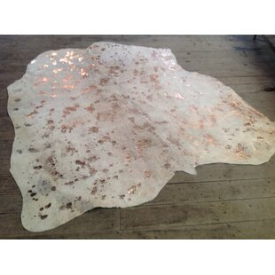 Affordable Elegant Color Way of Rose Hand-Woven Gold/White Area Rug By Rug Factory Plus