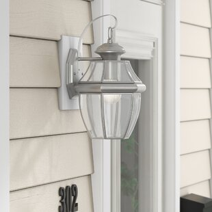 Gustavson 1-Light Traditional Outdoor Wall Lantern by Three Posts