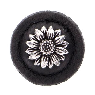 Carlotta Flower Novelty Knob