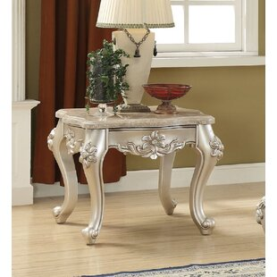 Townley Traditional High Luxurious Scalloped End Table