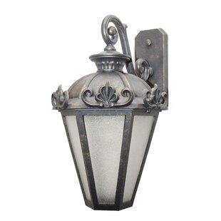 Petrey 3-Light Outdoor Wall Lantern by Al..