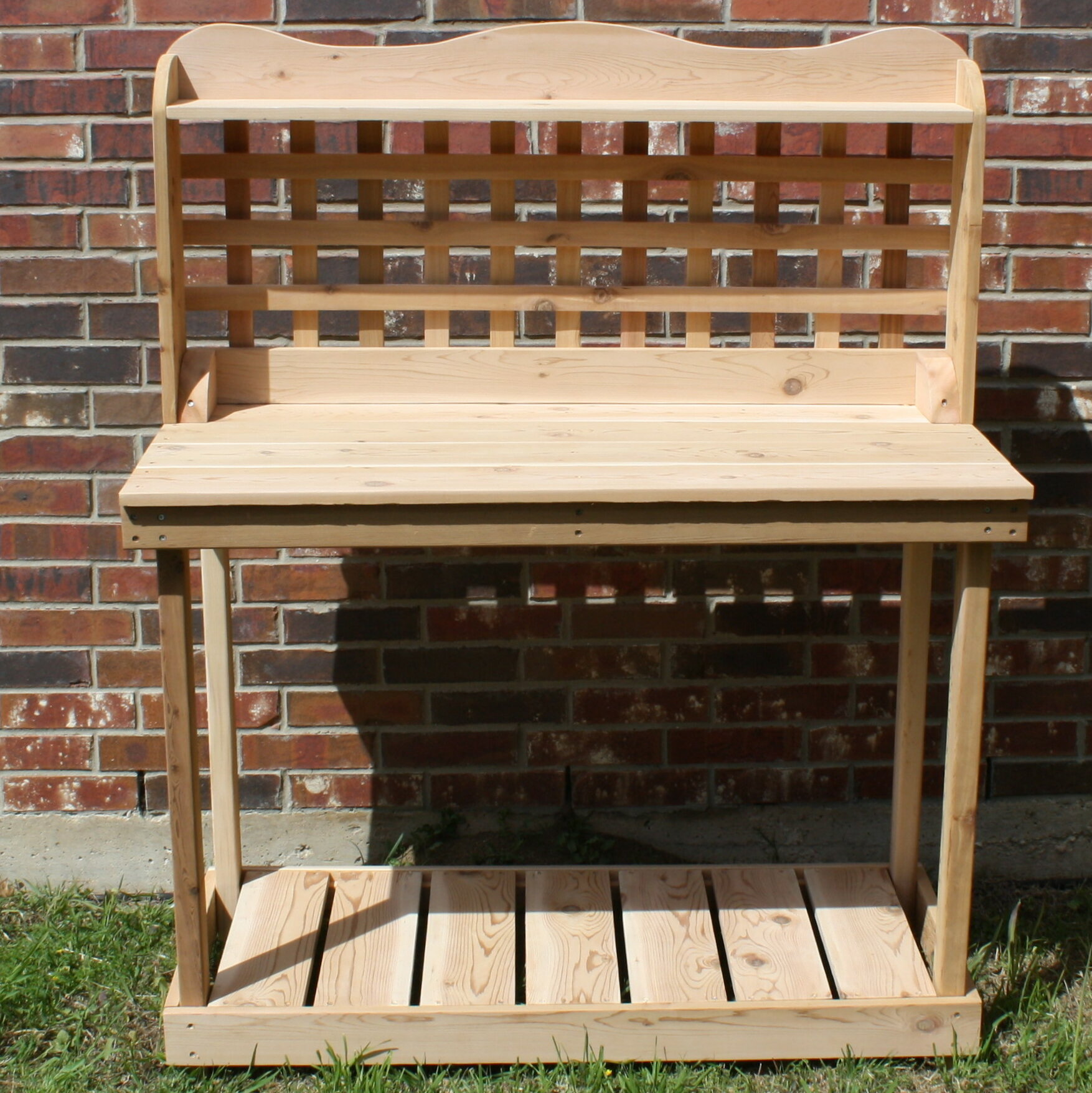 Superb Lattice Back Decorative Cedar Potting Bench Bralicious Painted Fabric Chair Ideas Braliciousco