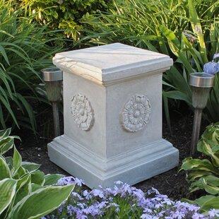 Merveilleux English Rosette Garden Sculptural Large Plinth