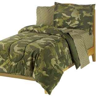 Camouflage or Hunter/'s Quilt for Toddler Bed or Small Throw Mossy Oak or Real Tree fabric with coordinating colors.