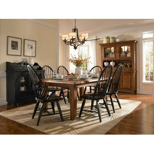 Attic Heirlooms 7 Piece Extendable Dining Set