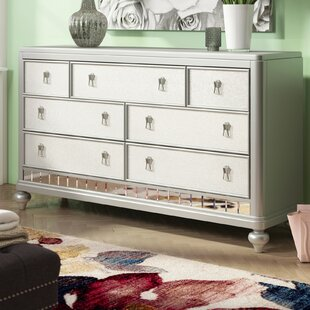 Desirat 7 Drawer Dresser