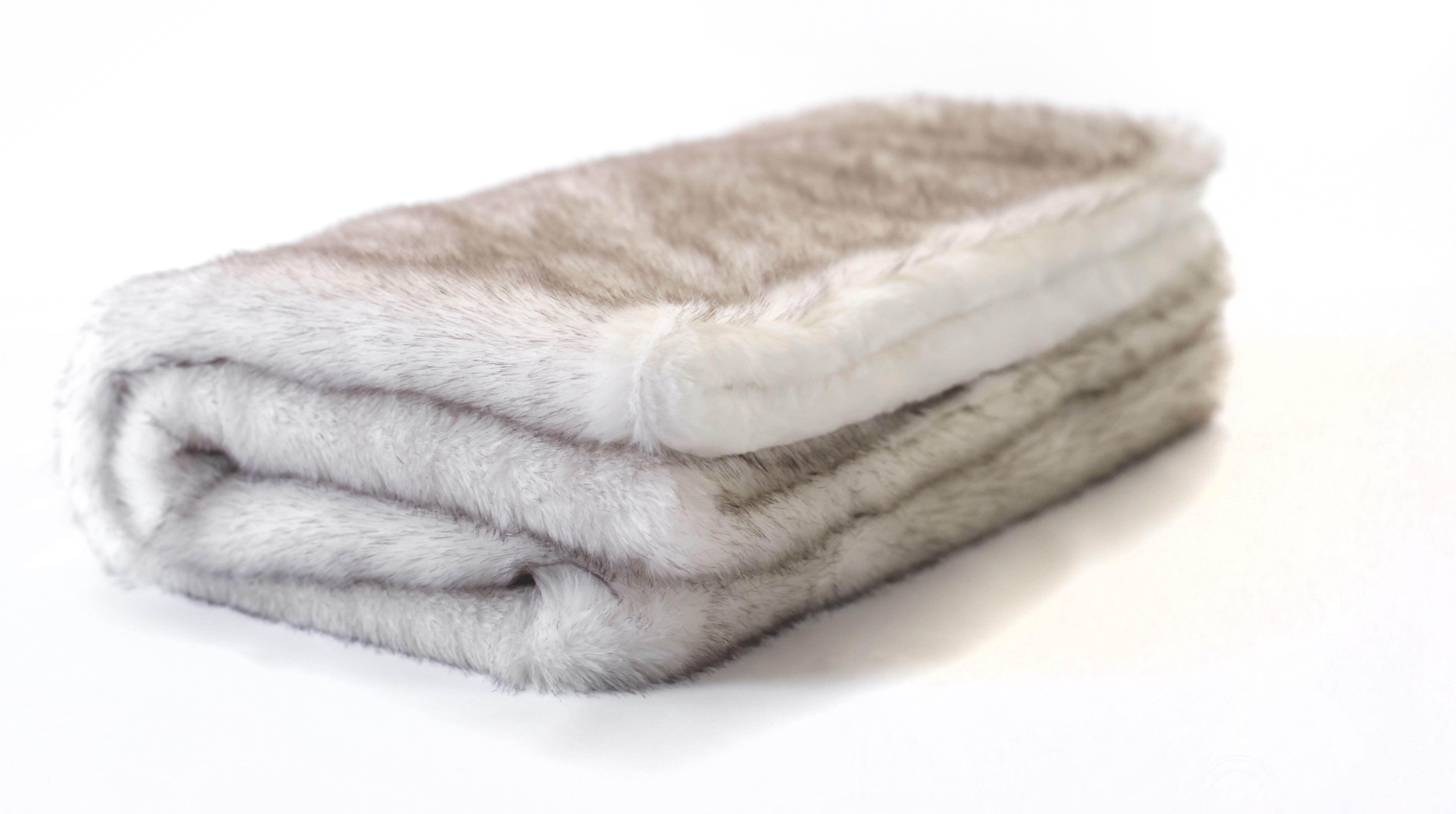 Posh Pelts Arctic Fox Faux Fur Throw Blanket Reviews Wayfair