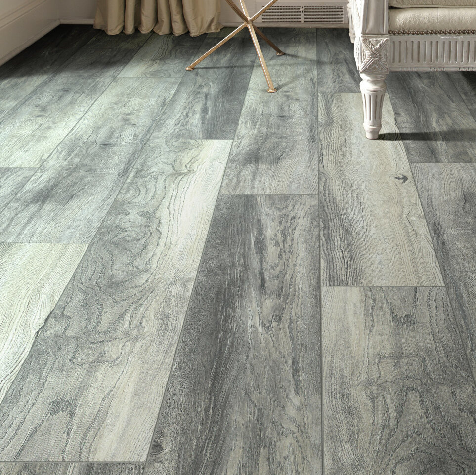 X 8mm Oak Laminate Flooring