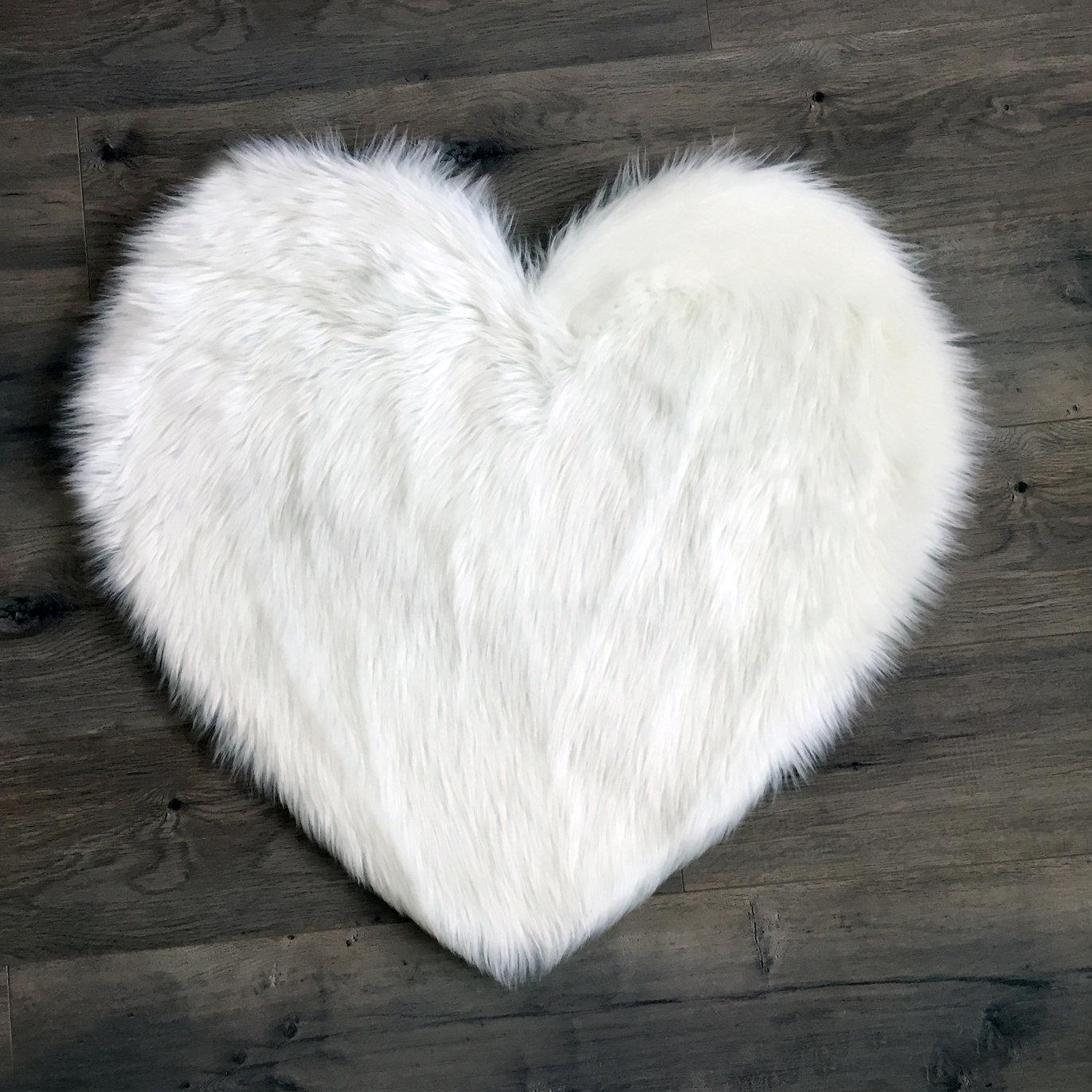 Mercer41 Mulhern Heart Faux Fur White Area Rug Reviews