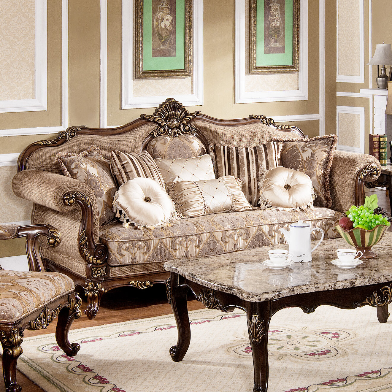 Tressa Traditional Living Room Sofa