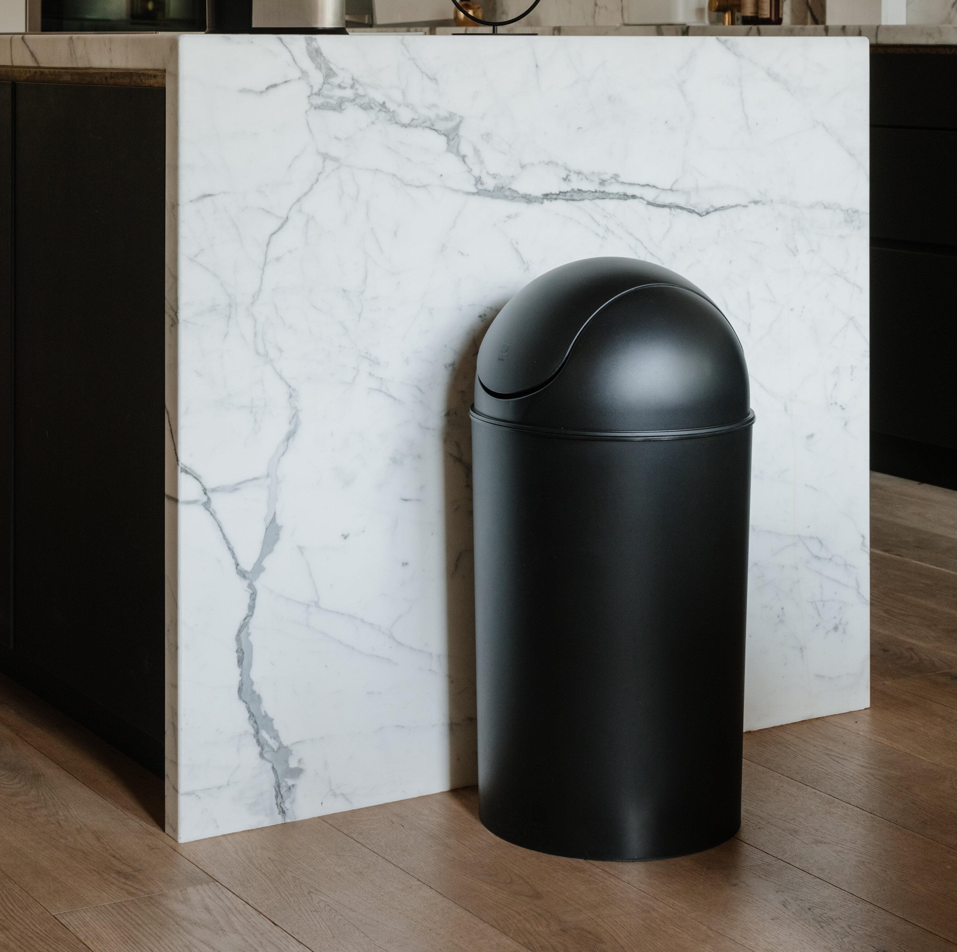 Umbra Grand Plastic 10 Gallon Swing Top Trash Can Reviews Wayfair Ca