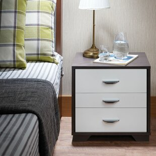 House of Hampton Clevenger 3 Drawer Nightstand