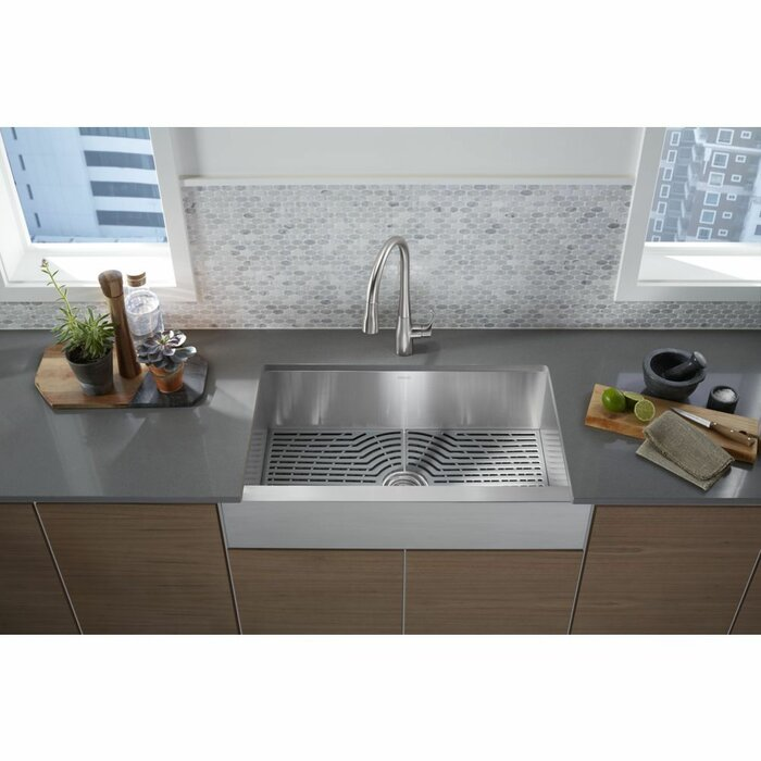 Ludington A Front Kitchen Sink With Accessories