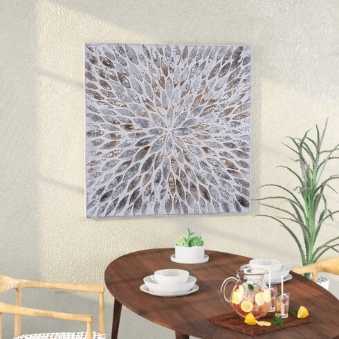 Contemporary Magnetic Petals Wall Décor