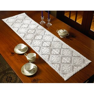 Charmant Kershaw Table Runner
