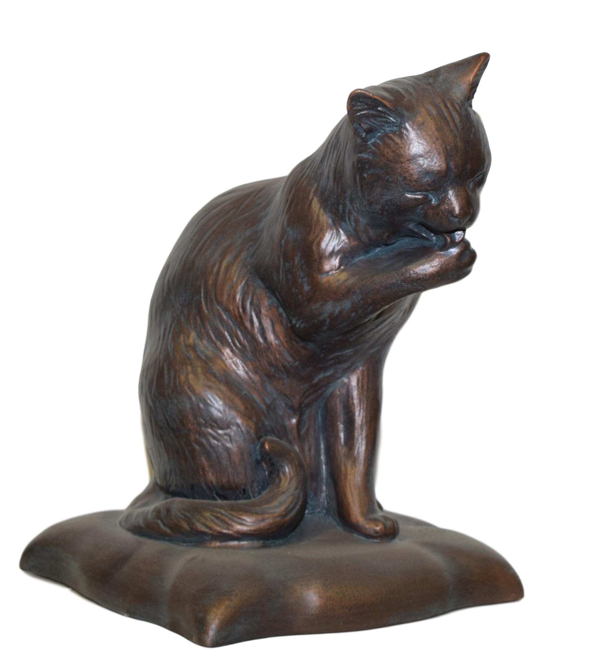 Ladybug Garden Cat Licking Paw Statue