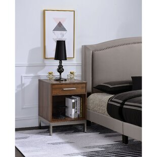 Reinaldo Spacious Wooden 1 Drawer Nightstand