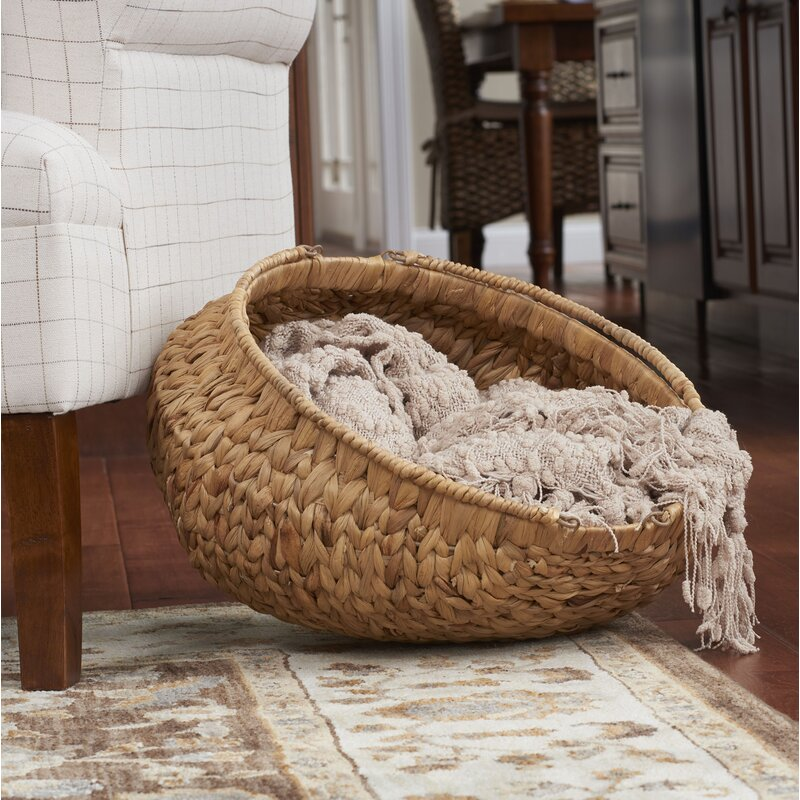 Decorative Round Wicker Basket. Boho style home decor. How to decorate your boho style living room.