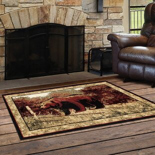 Vasques Majestic Bear Red/Beige Indoor/Outdoor Area Rug