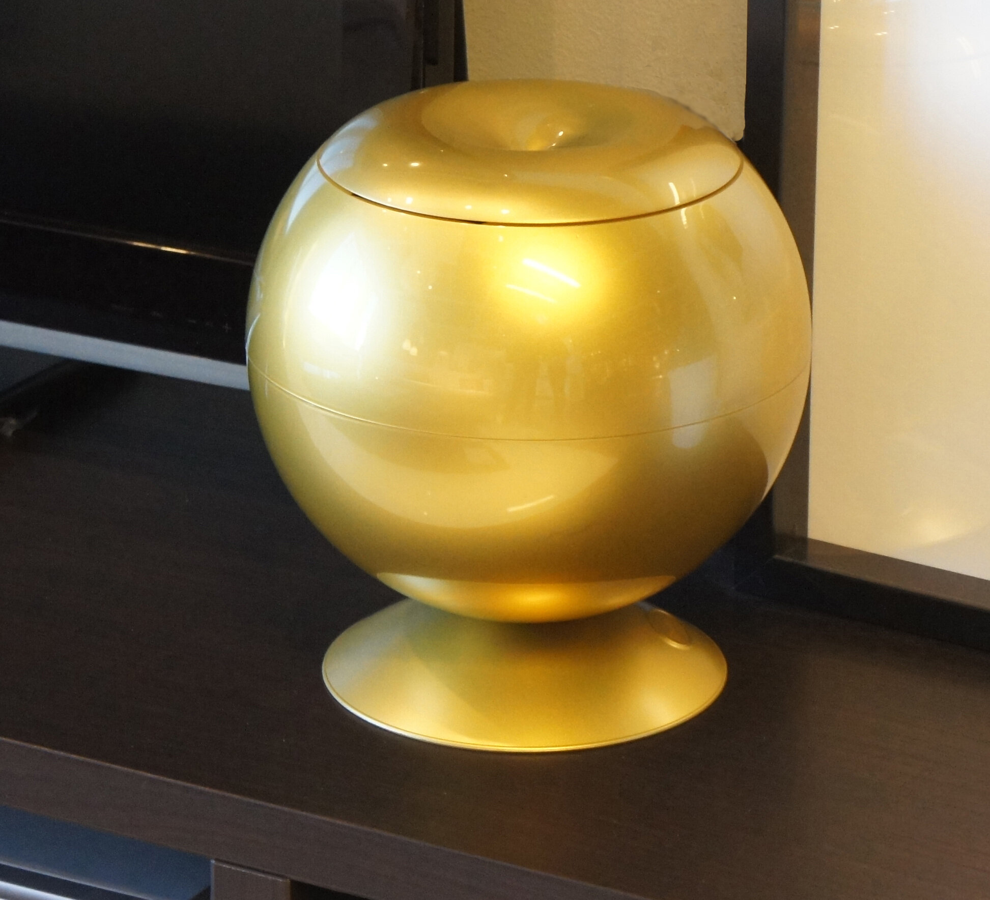 Itouchless Decorative Accent 360° Sensor Apple With Hidden Storage Container  | Wayfair