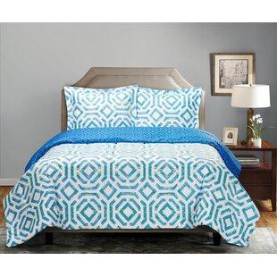 Apokas Comforter Set