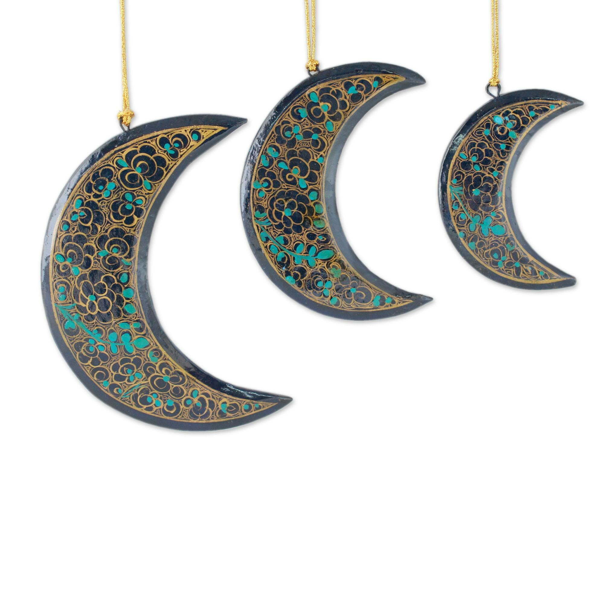 The Holiday Aisle Midnight Moons Wood Christmas 3 Piece Holiday Shaped Ornament Set Reviews Wayfair