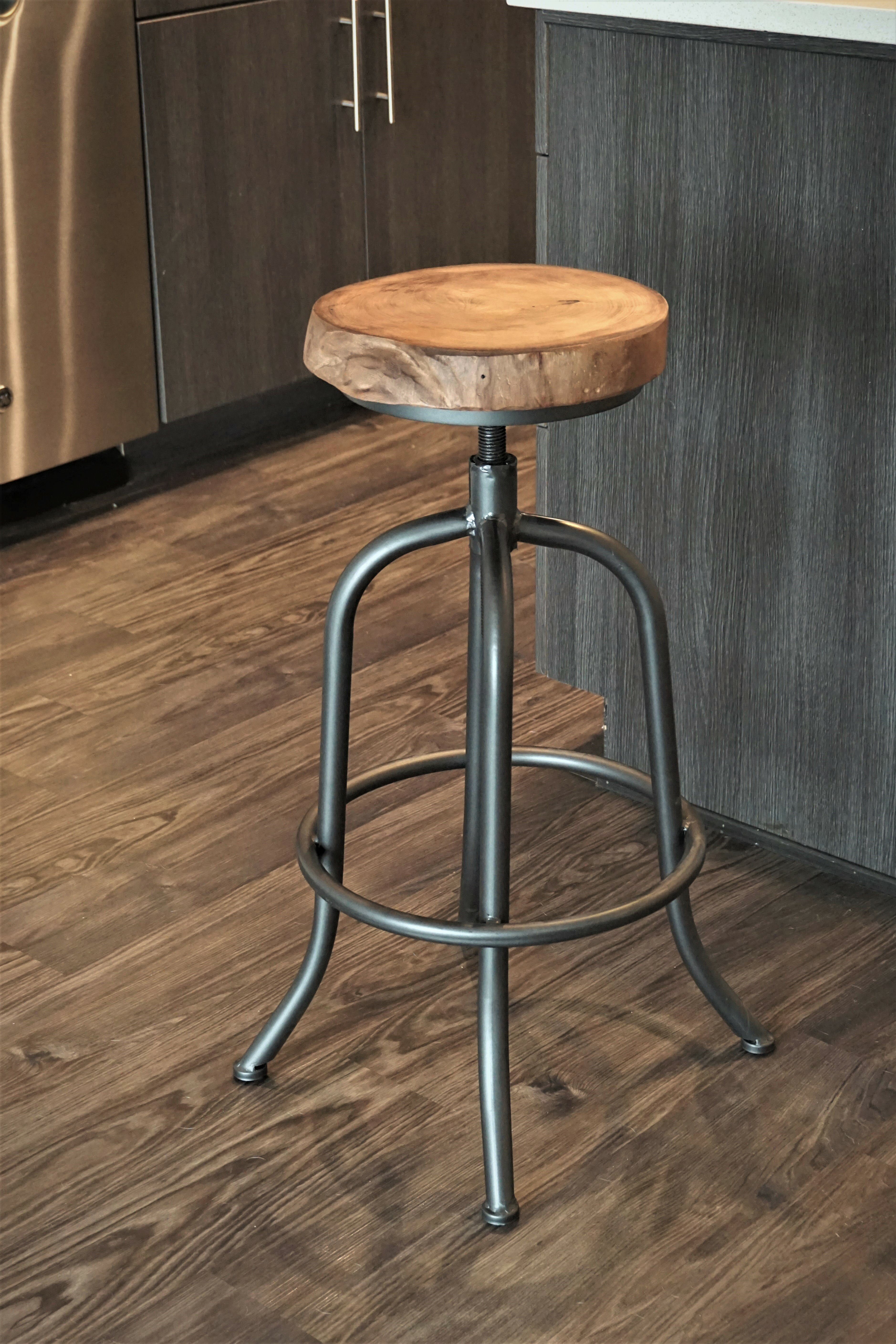 Super Ilsa 28 Swivel Bar Stool Gamerscity Chair Design For Home Gamerscityorg