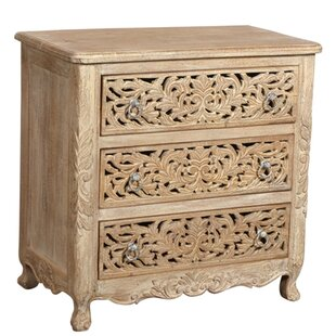 Aveliss 3 Drawer Accent Chest by Bungalow Rose