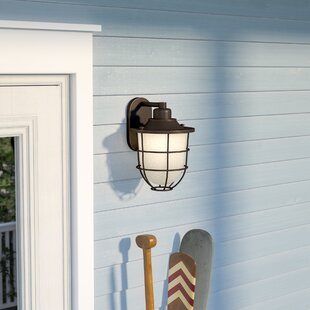 Bargain Glencourt 1-Light Outdoor Sconce By Beachcrest Home