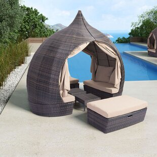 World Menagerie Bludovice Daybed with Tru..