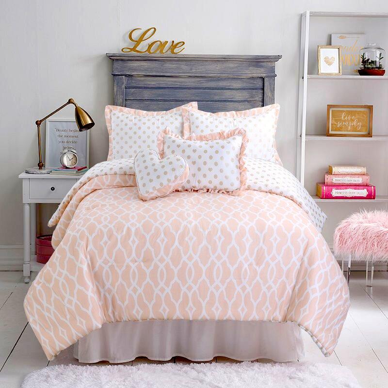 Grovelane Hunstant Reversible Comforter Set