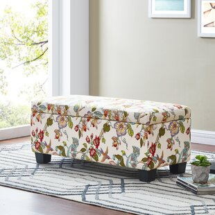 Superieur Uriegas Tufted Storage Ottoman