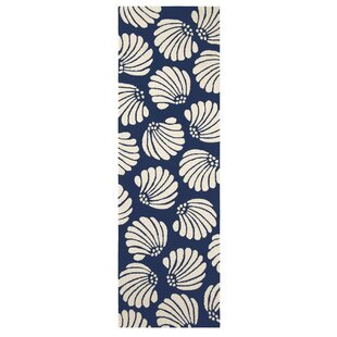 Affordable Coquille Hand-Hooked Navy Indoor/Outdoor Area Rug By CompanyC