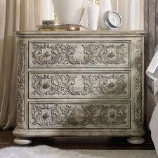 True Vintage 3 Drawer Bachelors Chest by Hooker Furniture