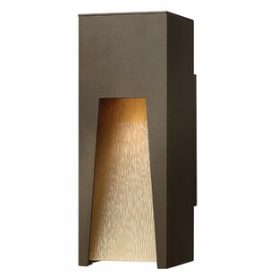 Great Price Kube 1 Light Outdoor Sconce By Hinkley Lighting
