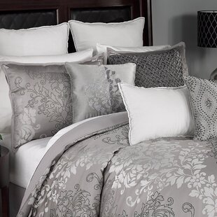 Chacenay 4 Piece Comforter Set by Beautyrest
